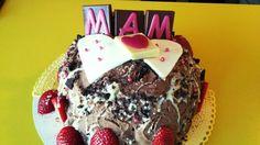 Chocolade taart met aardbeien