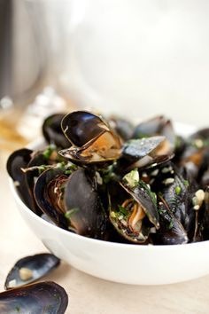 moules au vin blanc (mussels with white wine)
