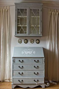 Vintage Shabby Chic Bureau with Bookcase no. 16