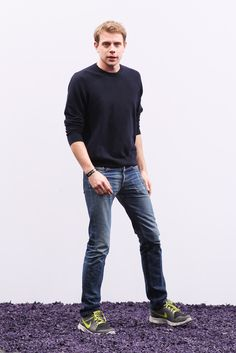 His menswear might be androgynous and avant-garde, but Jonathan Anderson himself favors a medium-wash jean with a pair of sneakers. Designers' Go-To Denim: Meet the Straight-Leg Style Worn by Tom Ford, Ralph Lauren, and More - Gallery - Style.com