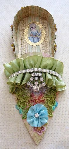 Paper shoe with Marie bling - Colors, patterns, details...  how fabulous...