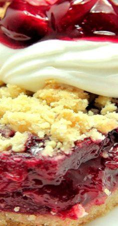 Cherry Oatmeal Crumble Pie