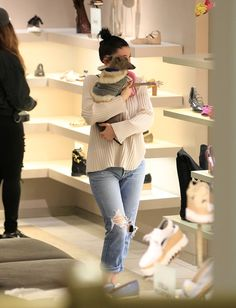 Kylie Jenner Photos - Kylie Jenner Goes Shopping in Hollywood - Zimbio