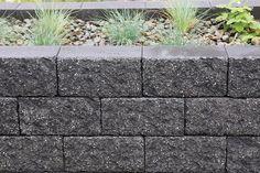 Muurikivet ja vallikivet nopealla toimitusajalla  Rudus Sidewalk, Plants, Walkway, Flora, Plant, Walkways, Planting