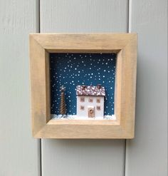 Mini Houses, Wooden Houses, Floating Shelves, Upcycle, Miniatures, Photo And Video, Instagram, Home Decor, Wood Cabins