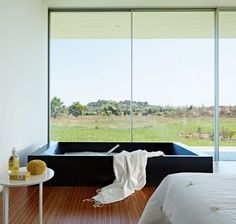 Minimialist House Blends Easily with Natural Surroundings | Archifan Blog