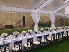 Oudoor wedding reception in Chianti