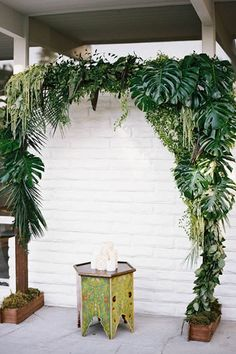 These greenery wedding backdrop ideas add a certain sophisticated and natural effect to any wedding decor. Why not dress up your ceremony with a simplistic gree Wedding Ceremony Ideas, Ceremony Decorations, Ceremony Arch, Wedding Backdrops, Wedding Aisles, Arch Wedding, Beach Ceremony, Wedding Ceremonies, Wedding Reception