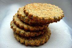 Retete culinare pentru voi: Biscuiti cu mac si parmezan Parmezan, Muffin, Food And Drink, Mac, Cookies, Breakfast, Desserts, Crack Crackers, Morning Coffee