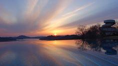 何度見てもベラビスタからの瀬戸内の島々と静寂な海を望むサンセットは感動的  #bellavista #sunset #尾道 #ベラビスタ #瀬戸内 by naohawaii via Instagram w/ifttt