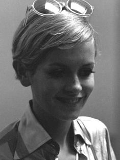Image result for twiggy short hair