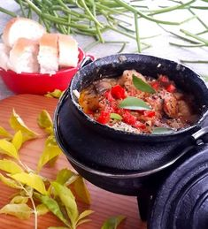 Main meals from Stuffed Feeling offers dinner recipes for the family, light meal recipes, curry ideas, casserole and stew recipes and meals for the barbeque. Creamy Ranch Chicken Recipe, Slow Cooker Creamy Chicken, Crockpot White Chicken Chili, Ranch Chicken Recipes, Braai Recipes, Oxtail Recipes, Seafood Recipes, Vegetarian Recipes, South African Dishes
