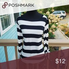 Forever 21 Striped Long Sleeve Shirt In like new condition! Size small! Perfect for fall and winter! Forever 21 Tops Tees - Long Sleeve