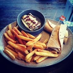Um nandos anyone...I heard there is one in Washington...guess it have to try it before I die!!@Niall Dunican Dunican Horan