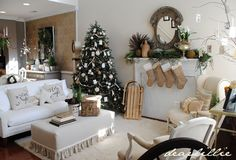 Dear Lillie: Christmas Past...  - Lovely room.... actually there are pictures of entire home decorated for the holidays, very nice!