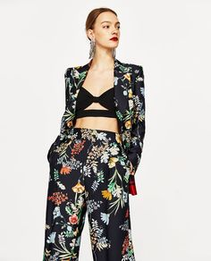 Image 2 of FLOWING PRINTED TROUSERS WITH DARTS from Zara