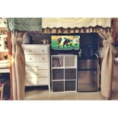 Adorable lofted bed curtains #uga #dorm #creswell #burlap