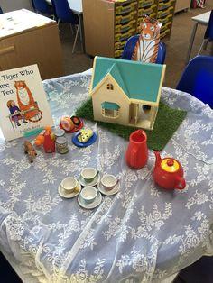 Eyfs Activities, Book Activities, Role Play Areas Eyfs, Nursery Crafts, Eyfs Classroom, Tuff Spot, Tuff Tray, Book Themes, Reception Ideas