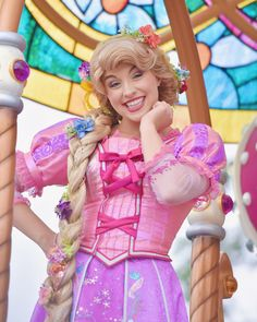 Rapunzel Cosplay, Disney Cosplay, Rapunzel And Eugene, Disney Princess Rapunzel, Princess Collection, Face Characters, Disney Girls, Disney Stuff, Awesome Stuff