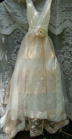 Tulle wedding dress ivory cream lace floral by vintageopulence
