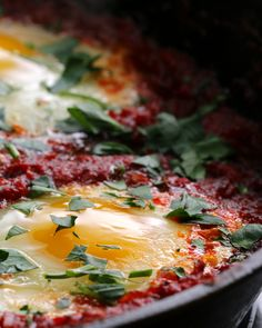 🍳 via Proper Tasty!North African-Style Poached Eggs in Tomato Sauce (Shakshouka) Source (Visited 1 times, 1 visits today) Tomato Sauce Recipe, Sauce Recipes, Vegetarian Recipes, Cooking Recipes, Healthy Recipes, Cooking Tv, Breakfast Time, Breakfast Recipes, Mexican Breakfast