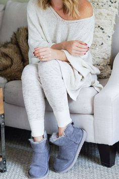 50 Best Cozy Morning Photography That Make You Looks Fabulous - Nona Gaya Lazy Day Outfits, Cute Comfy Outfits, Classy Outfits, Fall Fashion Outfits, Autumn Fashion, Cozy Fashion, Cosy Outfit, Loungewear Outfits, Cute Pajamas