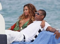 https://www.biphoo.com/celebrity/beyonce/news/beyonc-and-jay-z-have-date-night-on-a-yacht