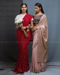 Looking for best designer sarees for wedding reception parties? Check out this 11 party wear ideas that will apt choice to wear during reception. Best Designer Sarees, Indian Designer Wear, Trendy Sarees, Fancy Sarees, Indian Dresses, Indian Outfits, Reception Sarees, Reception Ideas, Wedding Reception