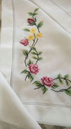 This Pin was discovered by Olg Cross Stitch Borders, Cross Stitch Rose, Cross Stitch Flowers, Cross Stitch Charts, Cross Stitch Designs, Cross Stitch Patterns, Silk Ribbon Embroidery, Embroidery Applique, Cross Stitch Embroidery