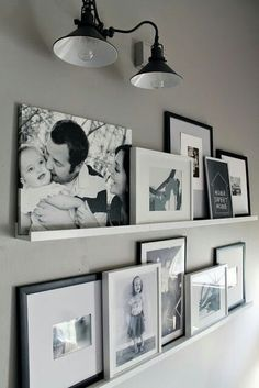 12 Shocking Ideas to Create Nice Looking Family Gallery Wall// gallery wall inspiration, arrangements, styling, home decor for every part of the house, interior decorating Home And Deco, Home And Living, Small Living, House Design, Wall Design, Shelf Design, Design Design, Interior Design, House Styles