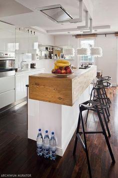 Nowoczesna kuchnia z drewnianymi dodatkami Kitchen Interior, Kitchen Dining, Table, House, Furniture, Interiors, Design, Home Decor, Ideas
