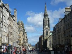 High Street, Edinburgh (part of the Royal Mile), with Tron Kirk on the right. The urban fabric here is beautiful.