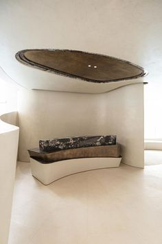 Nelson Chow Designs a VIP Lounge in Hong Kong as an Abstract Echo of Nature | Yatzer Reception Desk Design, Reception Counter, Reception Desks, Garden Pavilion, Counter Design, Curved Walls, Interior Exterior, Interior Design, Spa Interior