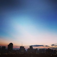 #humpday #igpicoftheday #picoftheday #loveit #luckytolivehawaii #sunsets #honolulu #Hawaii #like4like #sunset #igphotography #nexus6