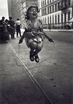 Lester Talkington - Skipping Rope, 1950. ° #photography #kids