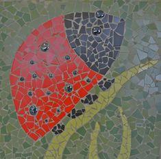ladybird mosaic Mosaic Art, Mosaics, Mosaic Stepping Stones, Draw Flowers, Mosaic Animals, Mosaic Projects, Ladybugs, Spiders, Garden Art