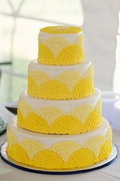 Yellow Piping Wedding Cake!