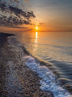 Lake Superior sunset at Vermillion Point, Chippewa County, Michigan, USA  (by ER Post on Flickr)