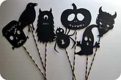 Shadow Puppets - Free PDF - the kids will love this. #Halloween