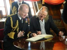 Time Team's Phil Harding and senior naval staff met today (28 September) aboard HMS Victory to announce the launch of a new tri-service Defence Archaeology Group.