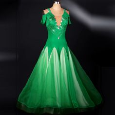Cheap costume world, Buy Quality costume dress directly from China costume corset Suppliers: Ballroom dance costumes sexy senior spandex short sleeves ballroom dance dress for women ballroom dance competition dresses Modern Dance Costume, Costume Sexy, Costume Dress, Dance Costumes, Ballroom Costumes, Ballroom Dresses For Sale, Latin Dance Dresses, Flamenco Dresses, Dresses For The Races