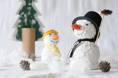 Kinder-Basteltipp: Schneemann | Bastelzentrum Bern Bern, Snowman, Outdoor Decor, Projects, Home Decor, Children, Log Projects, Blue Prints, Decoration Home