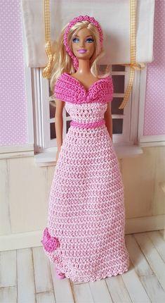Je vous présente aujourd'hui la version Barbie de la robe de Bal des Chéries                                             La fiche contenant...
