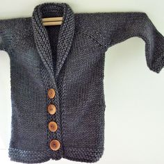 Knitted baby cardigan.  Free pattern.