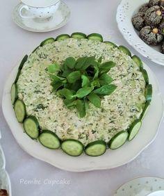 Her zaman yapmak isteyeceğiniz bir salata. Turkish Salad, No Gluten Diet, Food Garnishes, Comfort Food, Food Decoration, Turkish Recipes, Food Humor, Food Presentation, Creative Food
