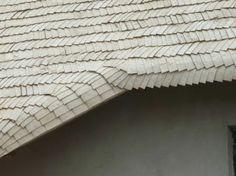 Деревянная крыша из осиновой дранки. Крыша, которая будет покрываться дранкой, не должна быть наклонена под углом меньше 25 градусов