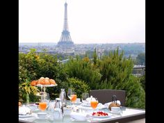 Breakfast in Paris Paris 2015, Luxury Lifestyle Women, Travel Reviews, Paris Hotels, City Style, Hotels And Resorts, Luxury Hotels, Paris Skyline, Beautiful Places