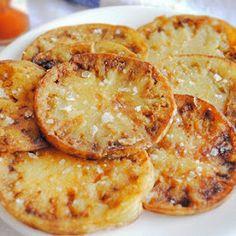 Con esta deliciosa receta aprende a preparar los mejores tomates verdes fritos con su paso a paso típico de la cocina de América Latina.