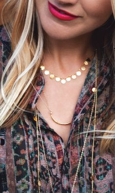 Short necklaces are great for layering http://rstyle.me/n/g5wm5nyg6