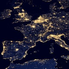 France at night seen from space~ La France vue de nuit